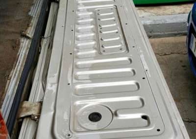 1988 toyota land cruiser hj61 rear hatch bottom