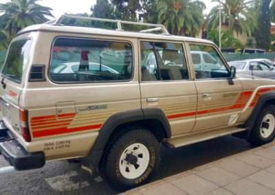 1988 Toyota Land Cruiser HJ61 passenger