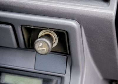 Toyota Hilux LN65 cigarette lighter