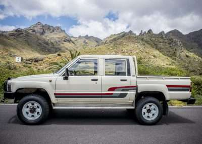 Toyota Hilux LN65 exterior 43