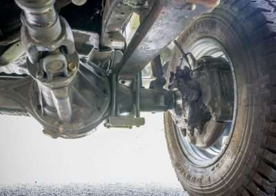 Toyota Hilux LN65 front axle 11