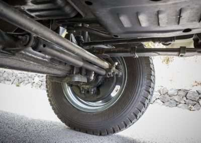 Toyota Hilux LN65 front axle 3