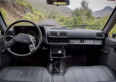 Toyota Hilux LN65 front seat view