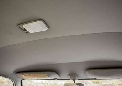 Toyota Hilux LN65 roof dome light 2