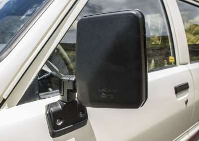 Toyota Hilux LN65 side mirror 1
