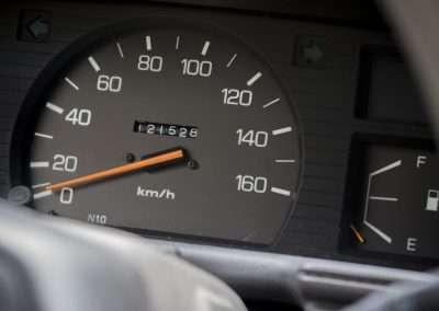 Toyota Hilux LN65 speedo