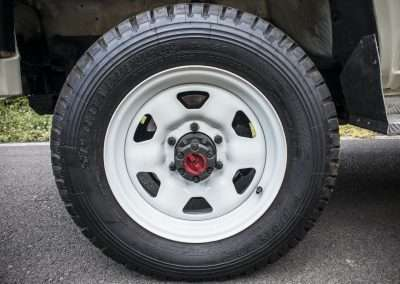 Toyota Hilux LN65 wheel 1