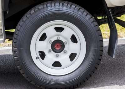 Toyota Hilux LN65 wheel 2