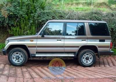 1991 Toyota Land Cruiser LJ77 LX - Exterior Pic-4