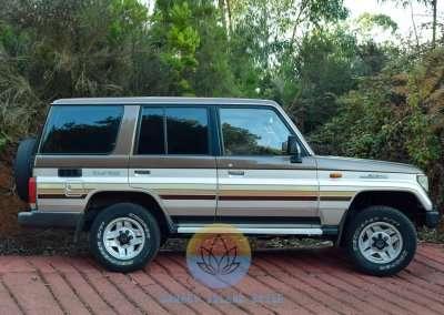 1991 Toyota Land Cruiser LJ77 LX - Exterior Pic-9