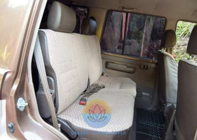 1991 Toyota Land Cruiser LJ77 LX - Interior Pic-43
